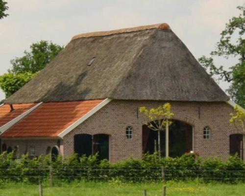 Voorbeeld woonboerderij (niet door ons gedekt)